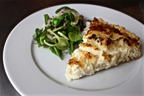 Cauliflower tart with caramelized onions - Charlotte Puckette